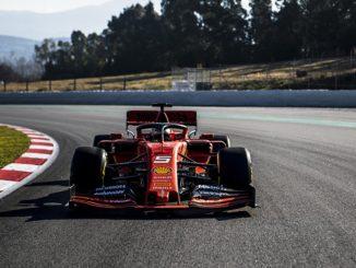 Sebastian Vettel, a los mando del Ferrari SF90
